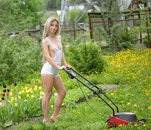 Really. happens. naked woman on riding lawnmower have